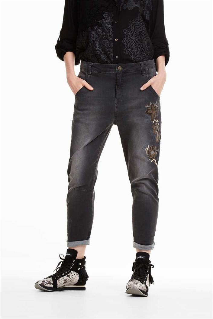 jeansy Desigual Alysa denim light grey velikost  30  2f78b1cb5d