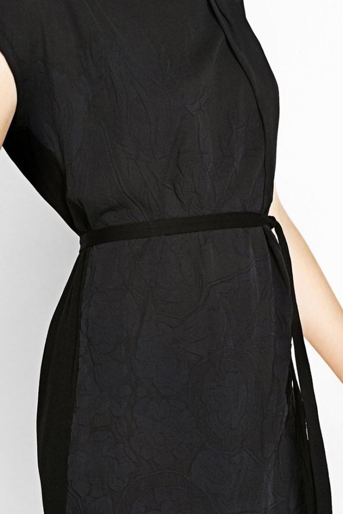 4e2aba1d9da šaty Desigual Ecuador negro. Obrázek 2. Obrázek 3. Obrázek 4