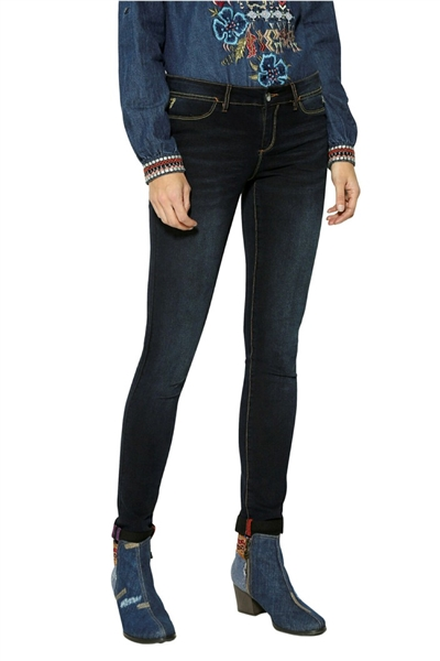 jeansy Desigual Second Skin black denim